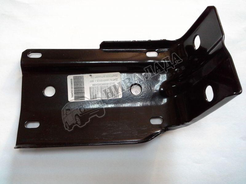 Кронштейн накладки переднего бампера  ВАЗ 2121 правый