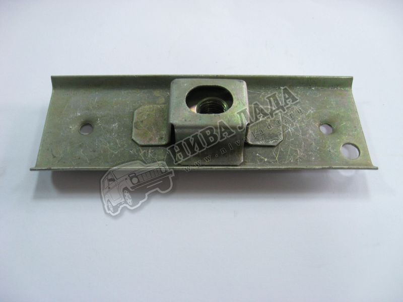 Планка переднего бампера ВАЗ 2108 (с гайкой)
